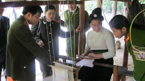 Một chuyến đi thực tế lớp tiếng Thái do Trung tâm Ngoại ngữ - Tin học tỉnh Điện Biên tổ chức (Lớp liên kết với CA tỉnh Điện Biên)
