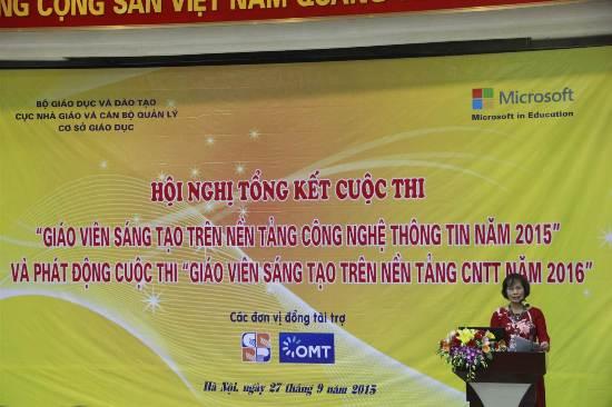 Bà Nguyễn Thúy Hồng – Phó Cục trưởng Cục Nhà giáo và cán bộ quản lý cơ sở giáo dục (Trưởng ban tổ chức cuộc thi) phát biểu.